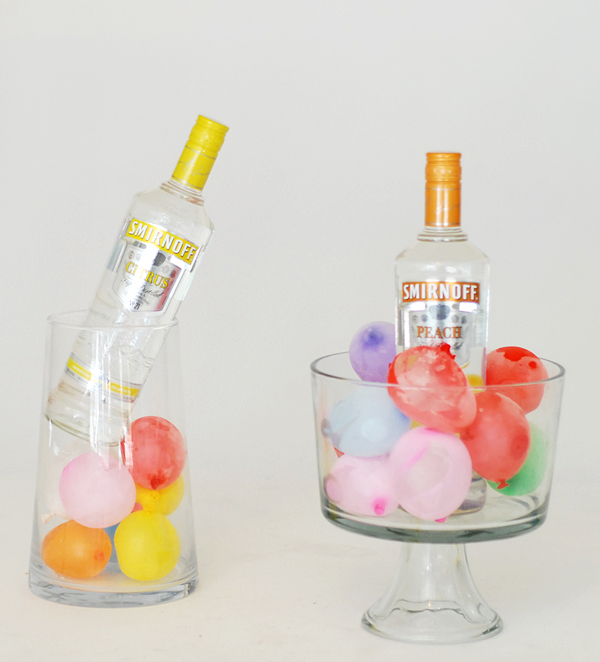 Ice cubes to cool drinks - 13 great summer party hacks | A Subtle Revelry