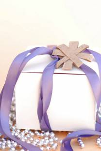 wrap it up | with star gift toppers