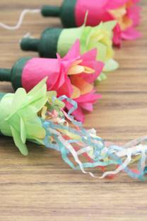 Flower party poppers