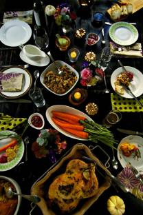 5 tips for setting a tabletop feast