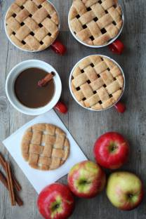 Lattice Pie Mug Toppers