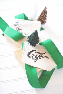 Hand Font: Canvas Gift Tags