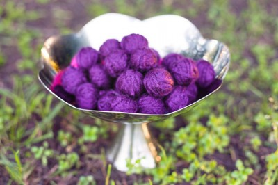 yarn-balls-in-bowl