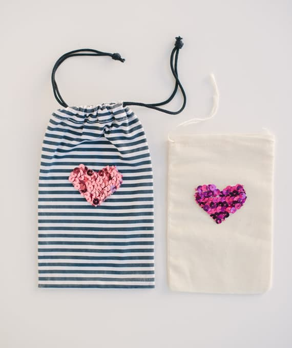 diy sequin  heart bags