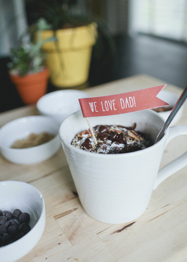 Mug Cakes With Printable Father's Day Tags | A Subtle Revelry