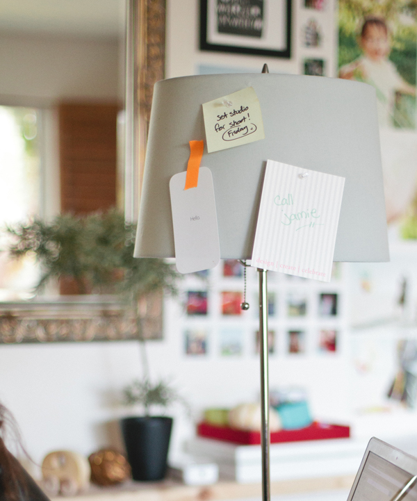 DIY: pinboard lamp shade