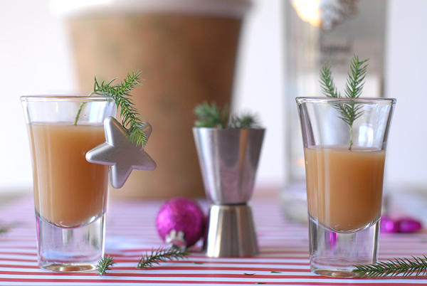 Pine needle drink stirs