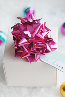big bow gift toppers
