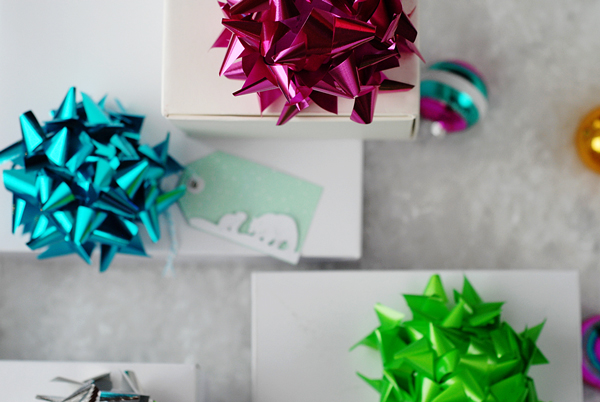 bow gift toppers
