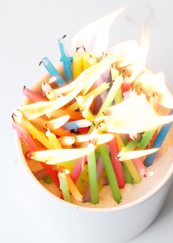 13 bright candle ideas - candles stuck in the sand