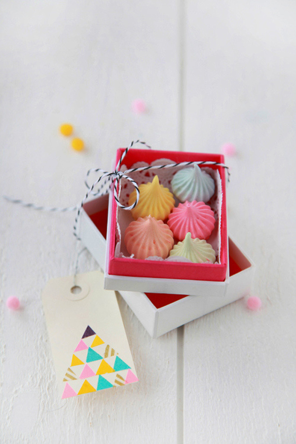 Paper Meringue Favor boxes and tags