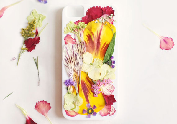Pressed-Flower-Iphone-Case