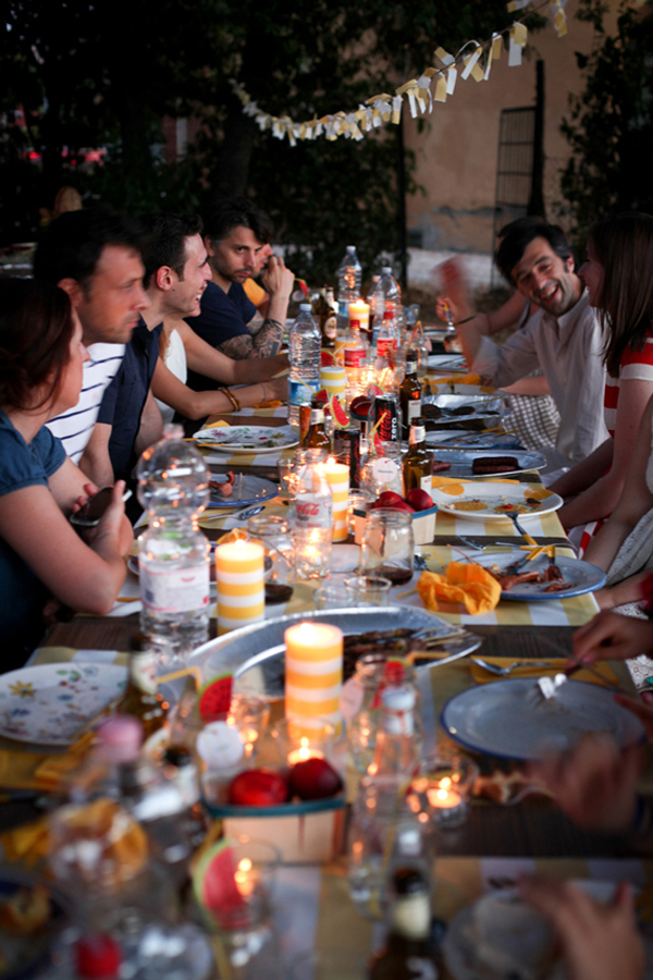 5 sneaky tips for a summer party - amplify music easily outdoors. (Click through to read them all)