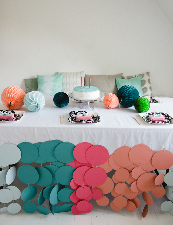 Confetti dot party tablecloth