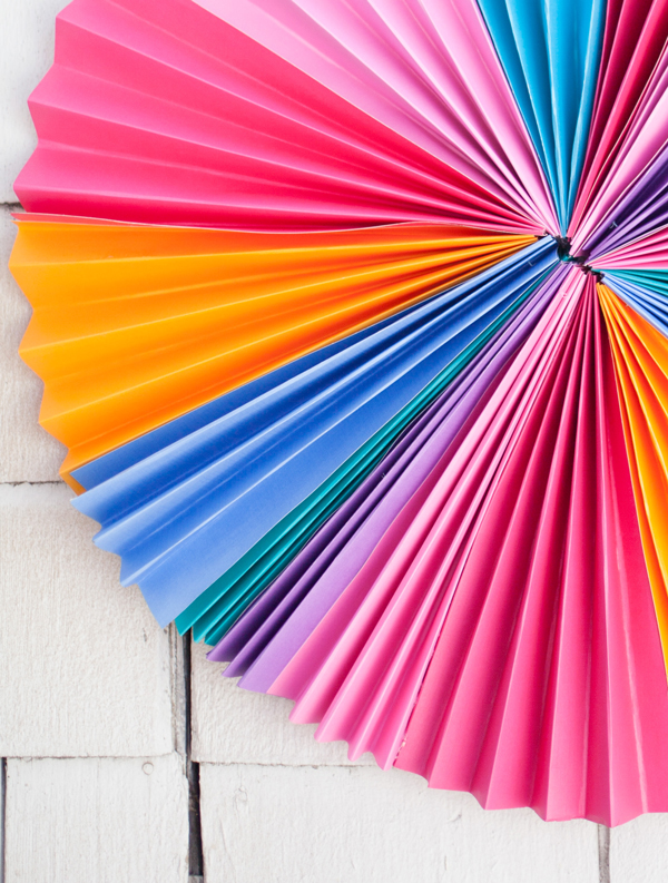 How to Make a Bright Accordion Paper Wreath