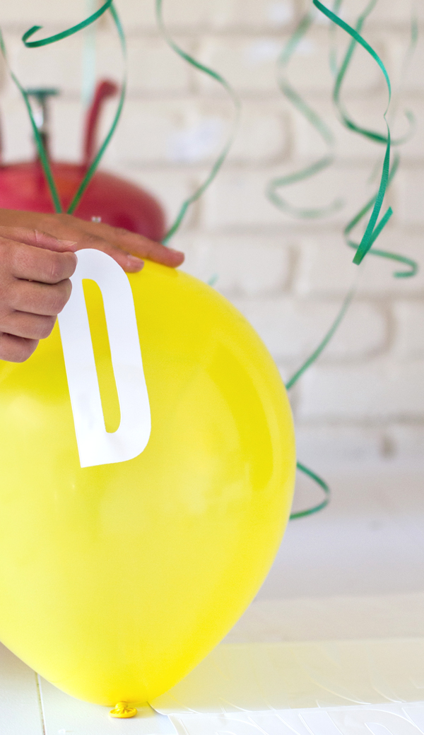 Balloon letter decal