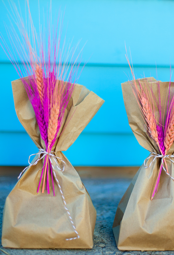 Dyed wheat favor bags