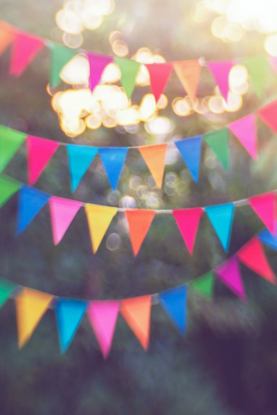 bunting-outside