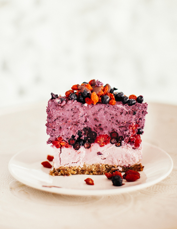Cake With Fruit Layers : raw fruit layer cake   A Subtle Revelry
