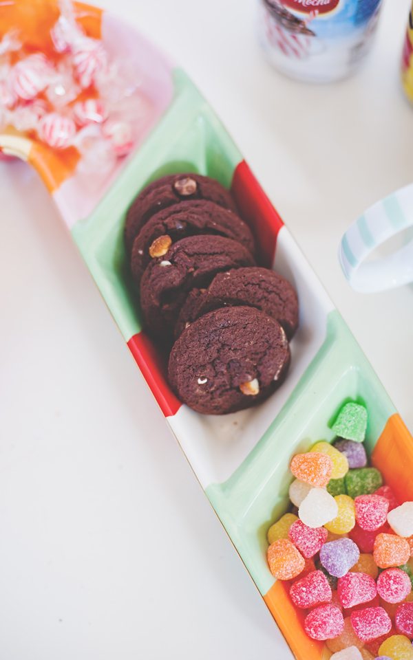 Chocolate peppermint nut cookies