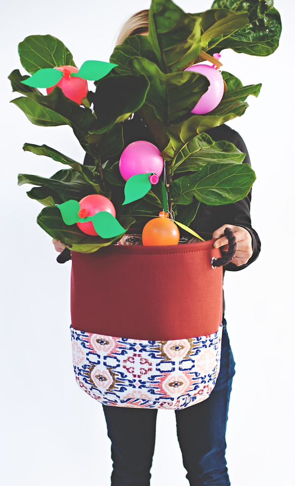 Balloon Fruit Gift Tree