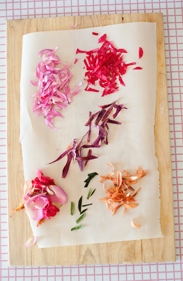 How to make Edible Flower Pie Confetti