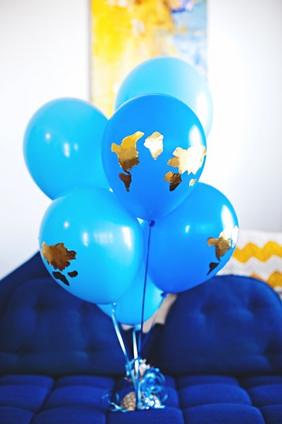 earth-balloons