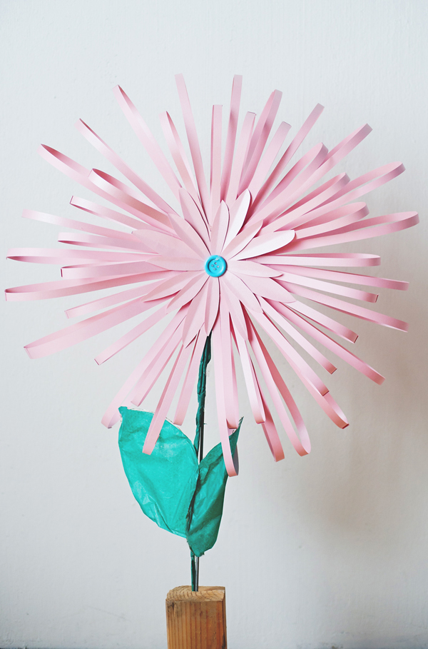 How to make a paper flower how to make flowers out of paper mightylinksfo