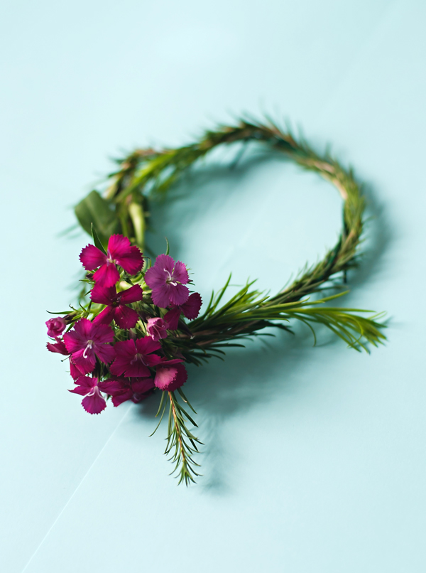 Easter wreath crafting party • A Subtle Revelry