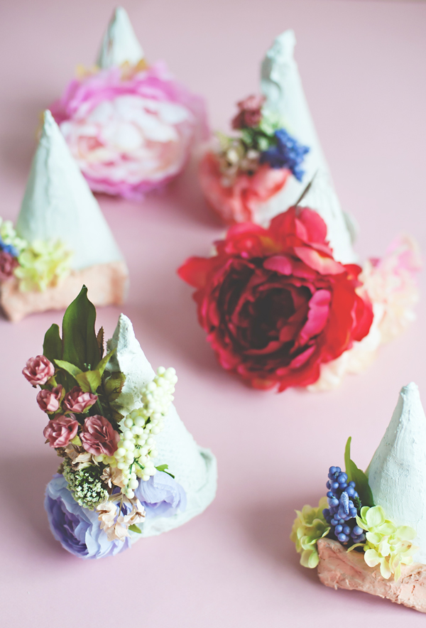 Plaster flower party hats
