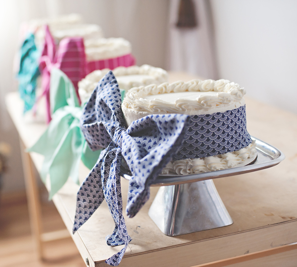 Cakes with bows