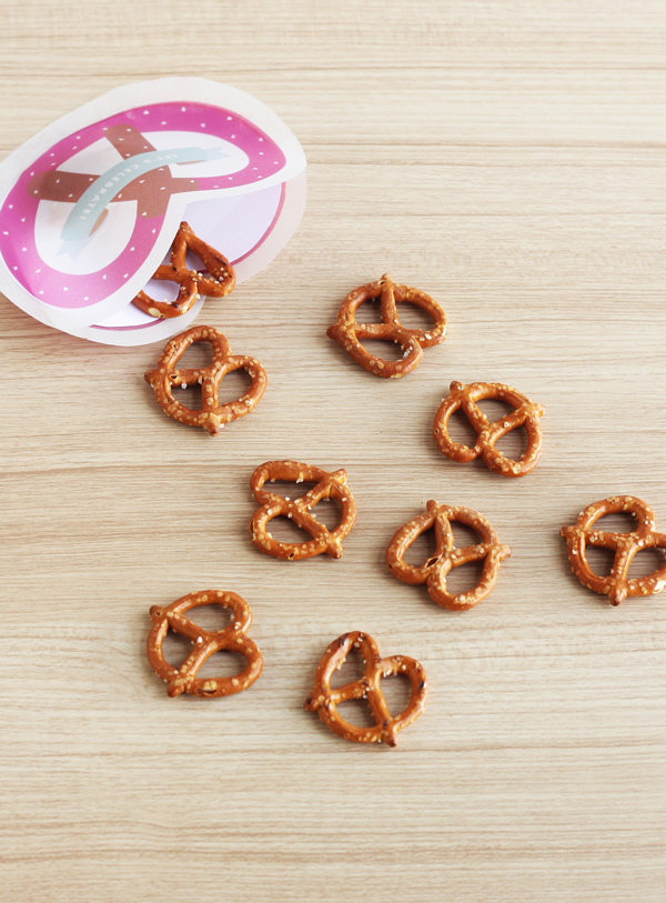 Soft pretzel invitations
