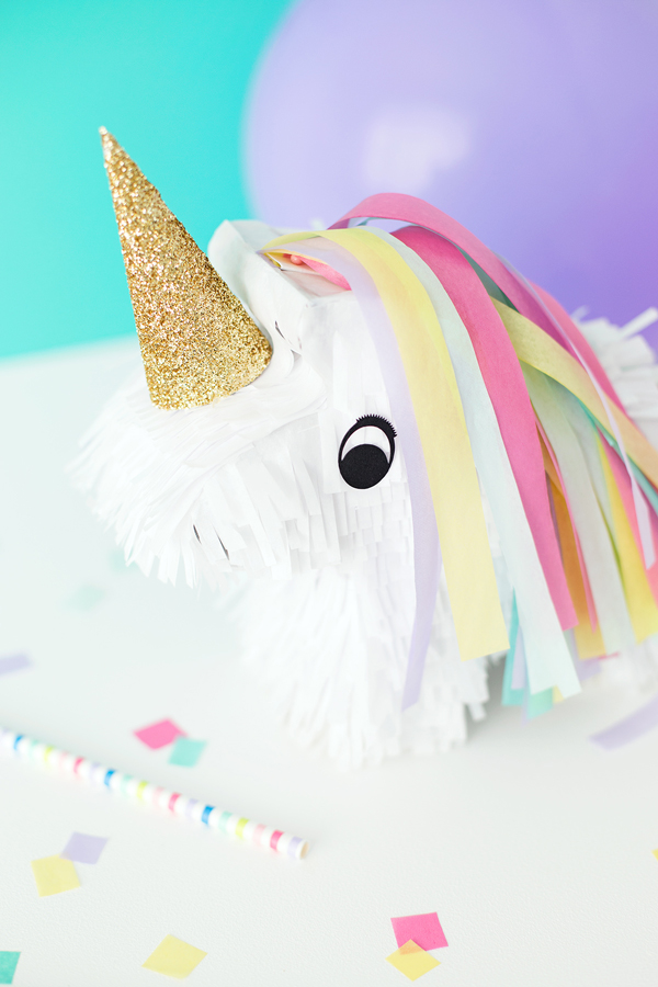 DIY mini Unicorn pinatas!