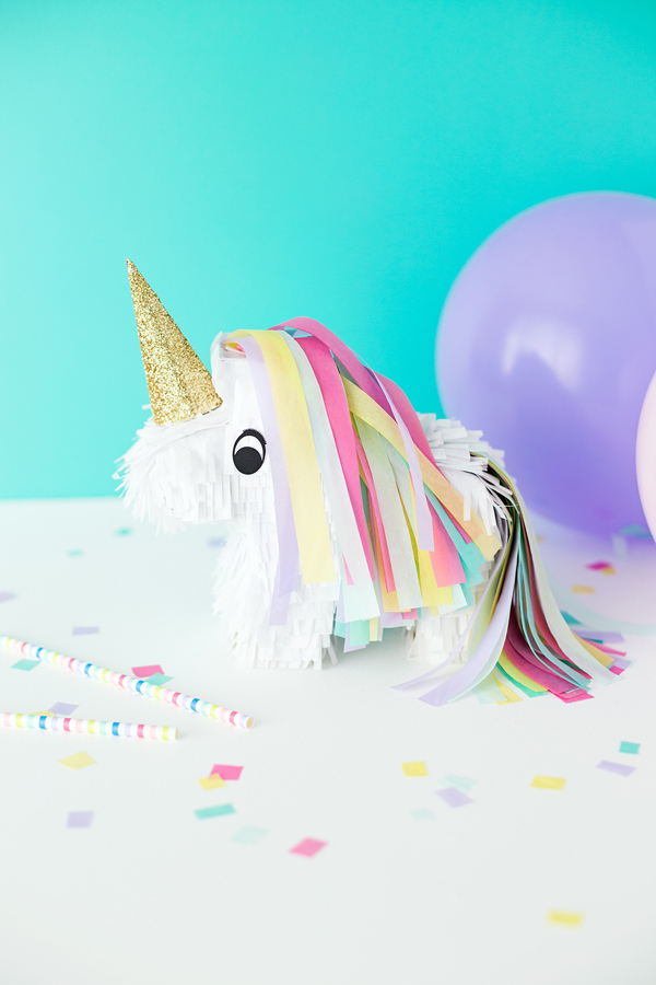 Unicorn piñata DIY