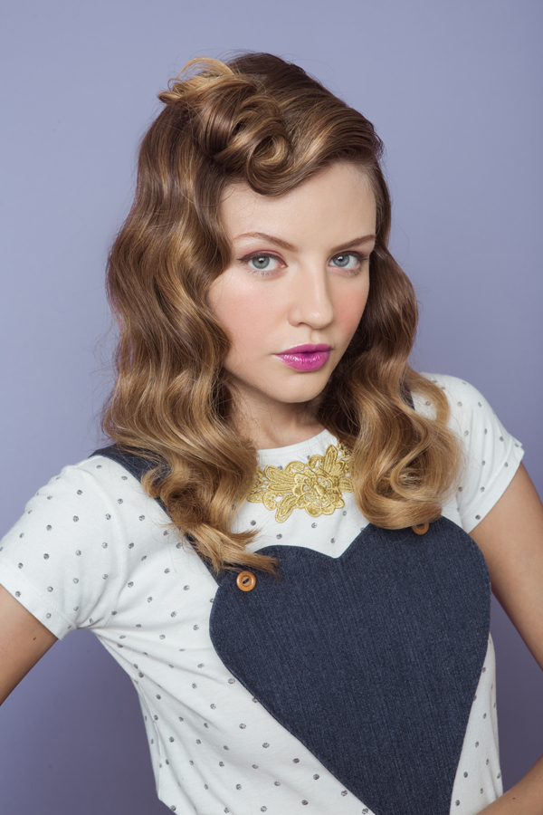 Victory Roll - Classic Bang Style Tutorial