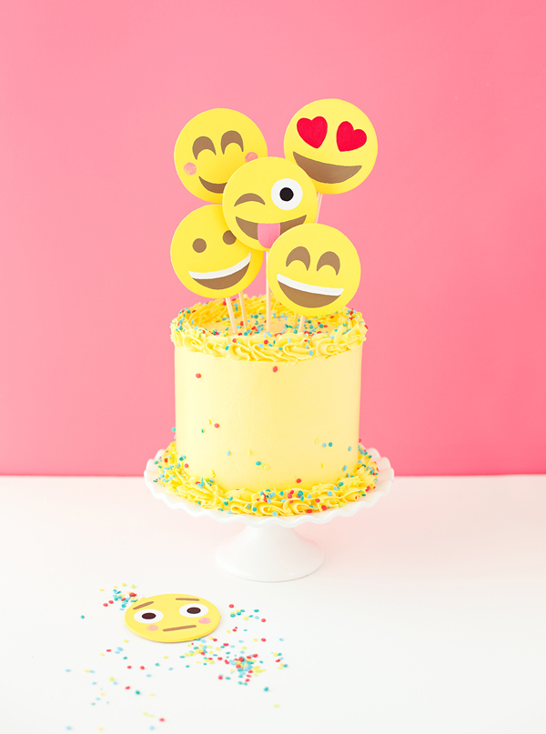 Emoji face party cake