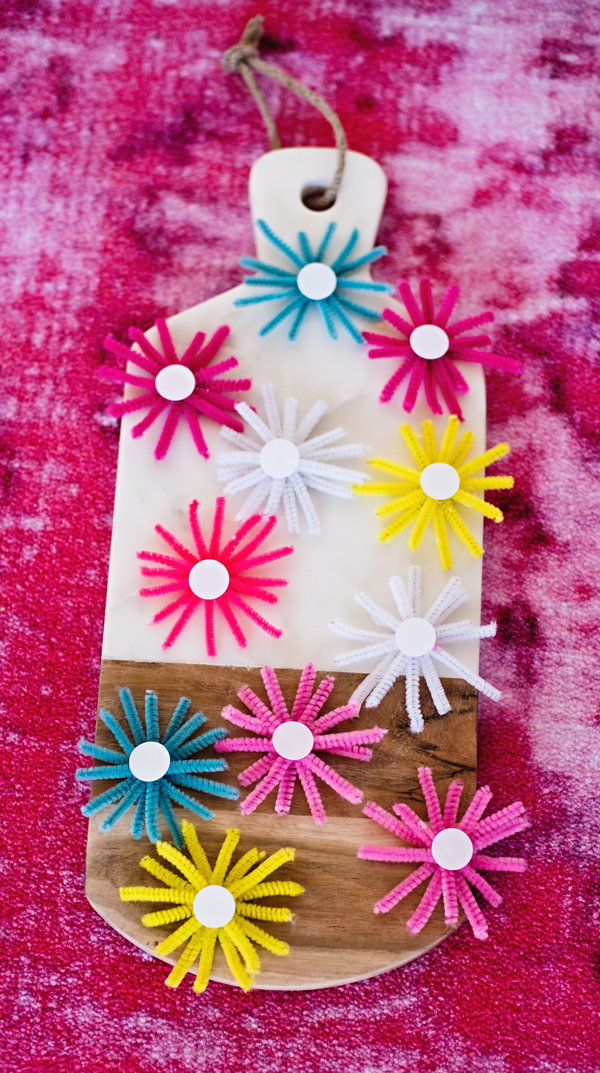 Starburst seating cards - made with pipe cleaners!