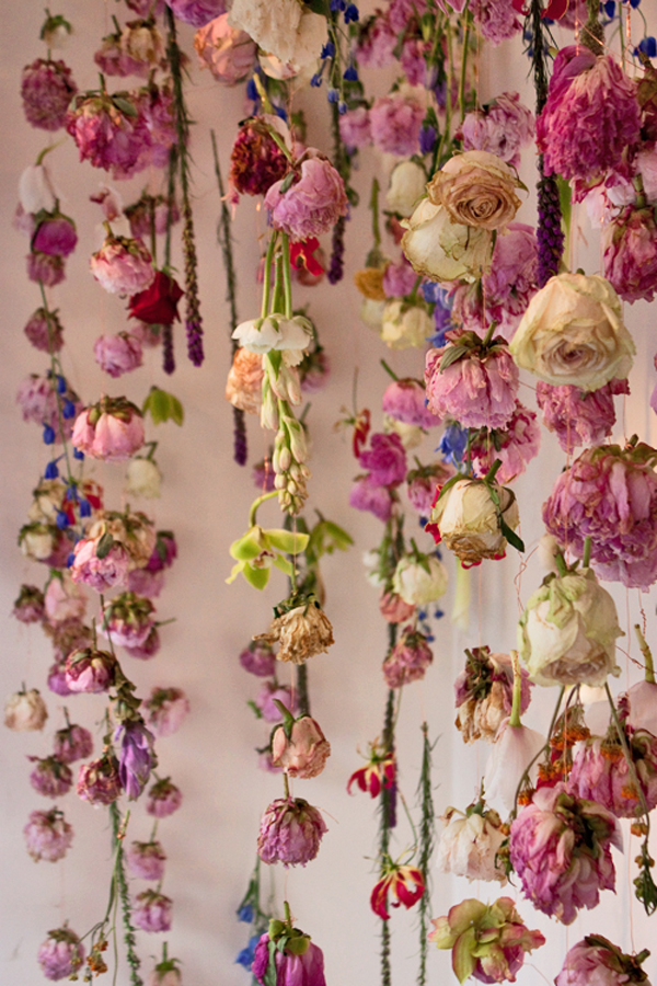 diy dead flower garland