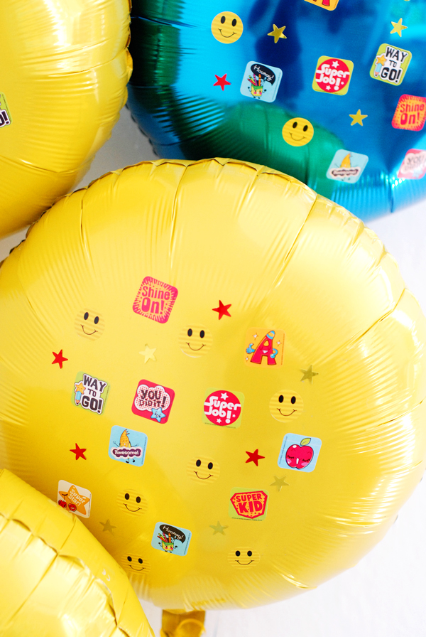 Graduation Sticker balloons