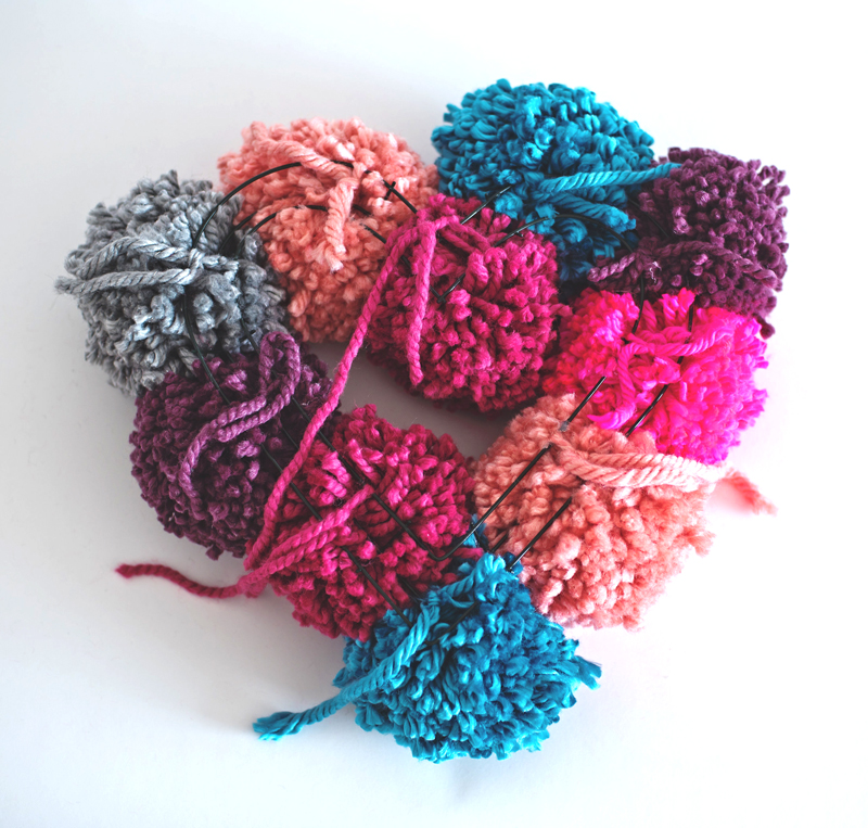 Pompom Yarn Wreath DIY idea