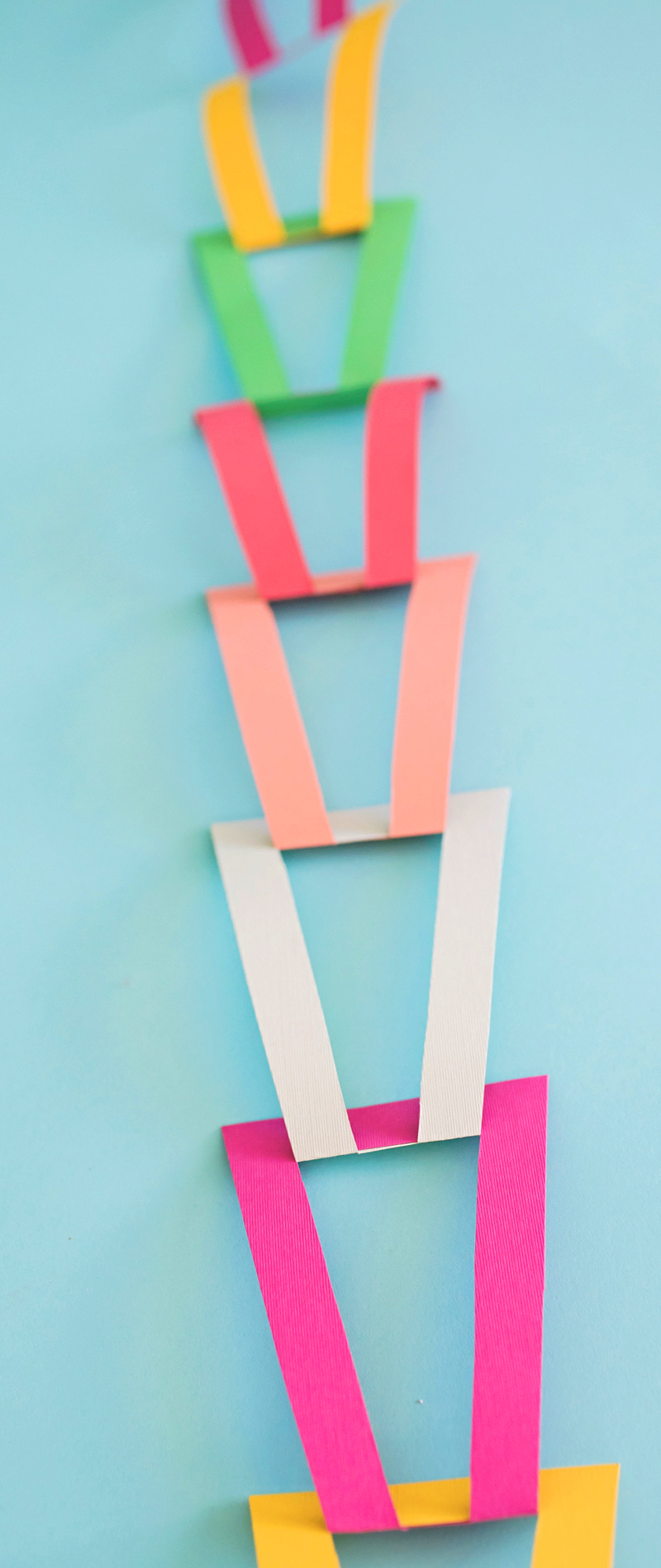 Open Triangle Party Garland