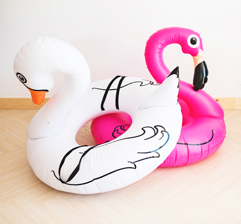 pool-floats-with-straps