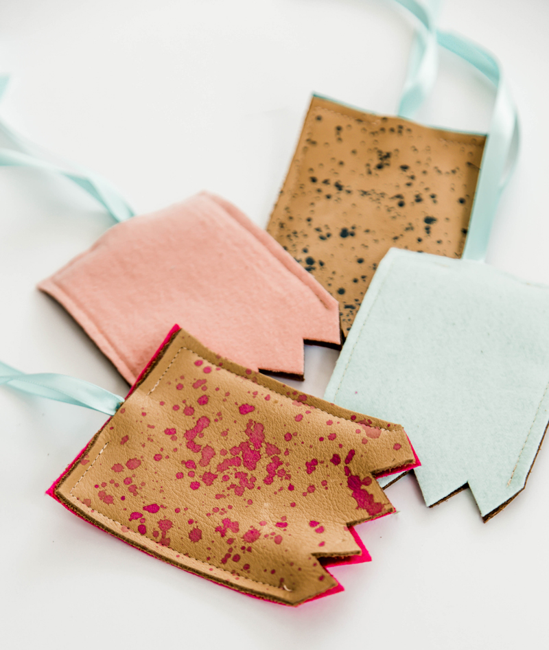 DIY luggage tag template and holder