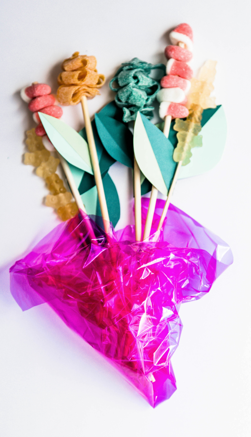 DIY candy bouquet step by step