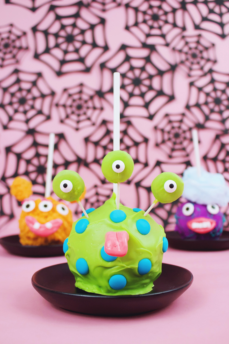 Homemade candy apples that are the best ever!