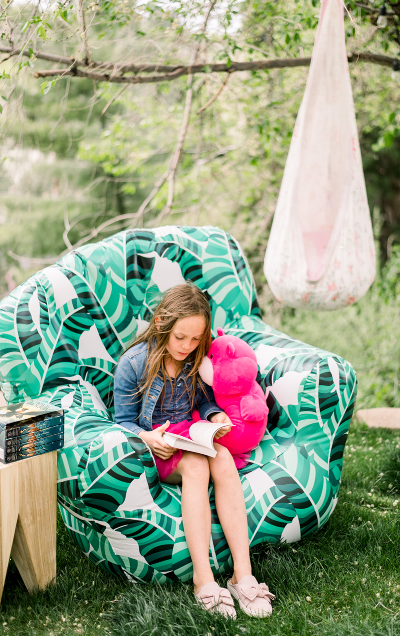 diy outdoor reading corner decorations