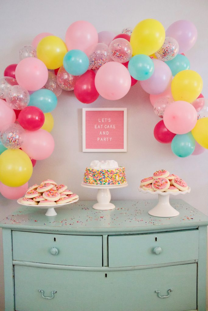 DIY Balloon Garland Party