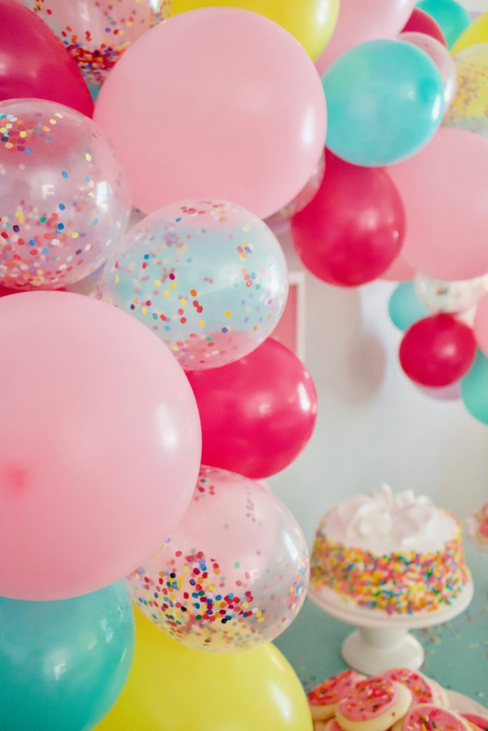 The Easiest Balloon Garland