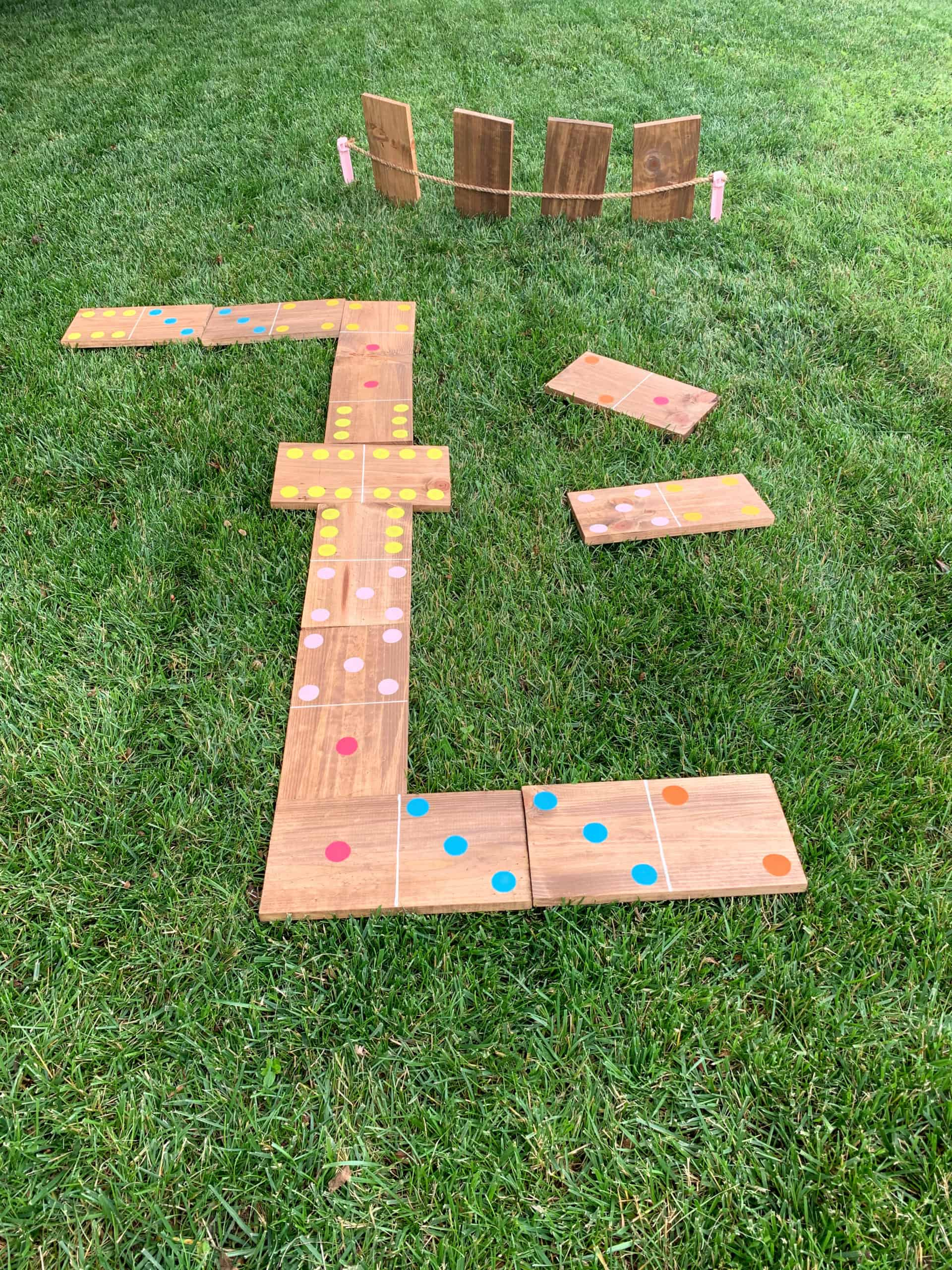 How to Play Yard Dominoes