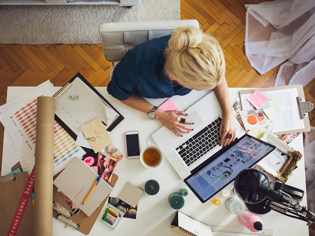 Tips for Staying Motivated: Organize Workspace